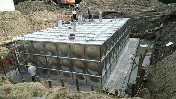 抗浮式箱泵一体化